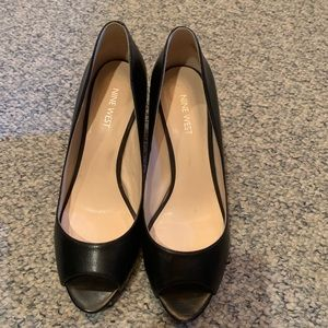 Ninewest peep toe shoes